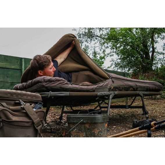 FOX Flatliner 6 Leg 3 Season Sleep System - lehátko so spacákom
